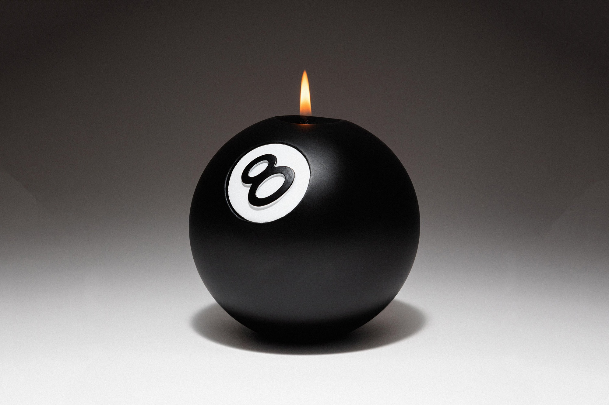stussy-8-ball-candle