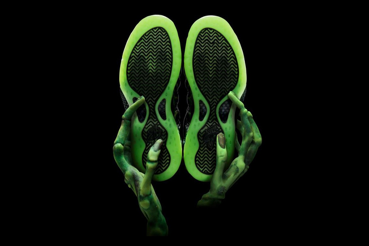nike-air-foamposite-one-paranorman-2012